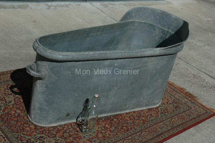 Ancienne et grande baignoire en zinc xix eme mon vieux for Baignoire rectangulaire grande largeur
