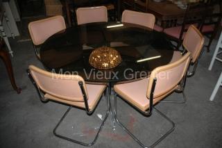 Table et chaise design vintage 1970