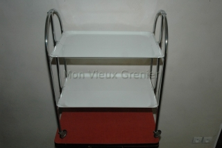 chariot blanc pliable roulettes