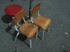 petites chaises d'écolier