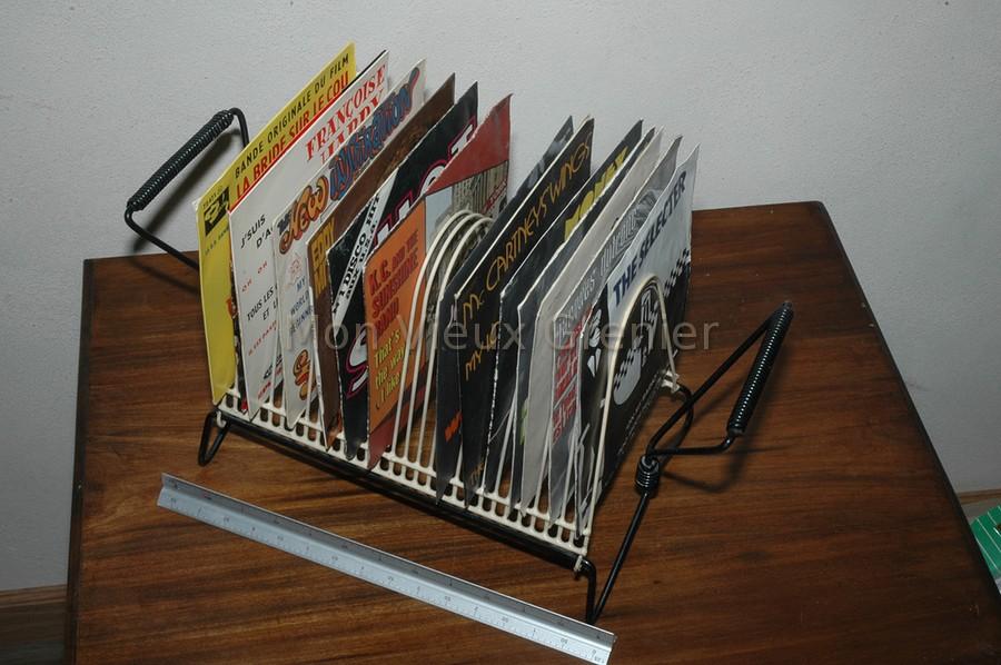 ancien porte vinyles vintage. Black Bedroom Furniture Sets. Home Design Ideas
