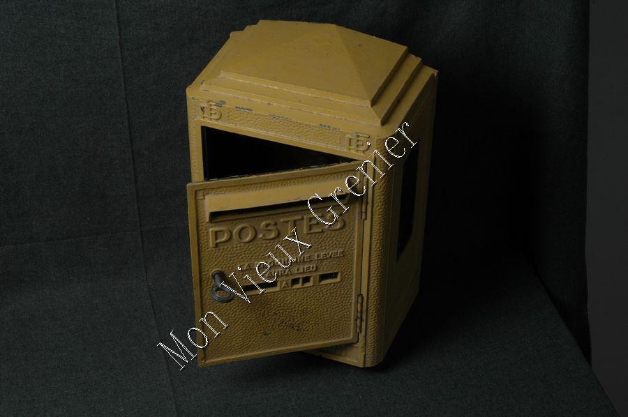 ancienne boite aux lettres de la poste a vendre taille haie tracteur occasion. Black Bedroom Furniture Sets. Home Design Ideas
