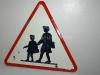 """Ancien panneau de signalisation """"Danger, école"""""""